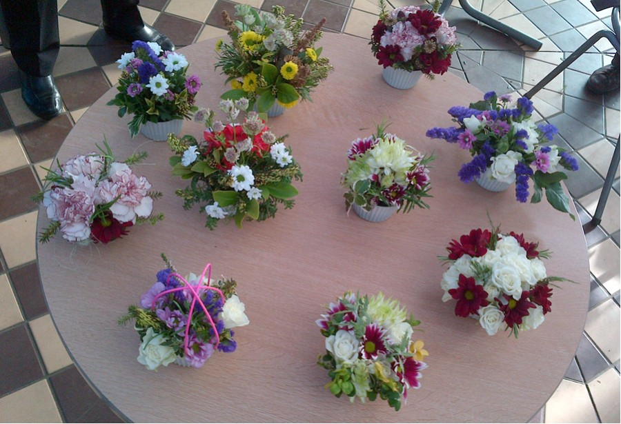 Cup Cake floral arrangement workshop