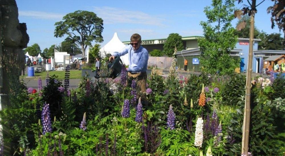 gs-swgc-garden-designer-robert-ross-watering